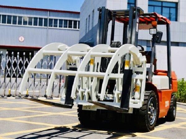 Xe nâng kẹp gỗ trung quốc
